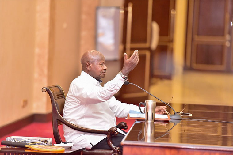 President Museveni addressing journalists at State House