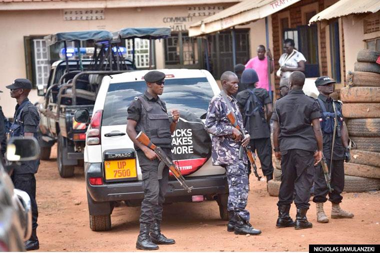 Bobi Wine returns, arrested