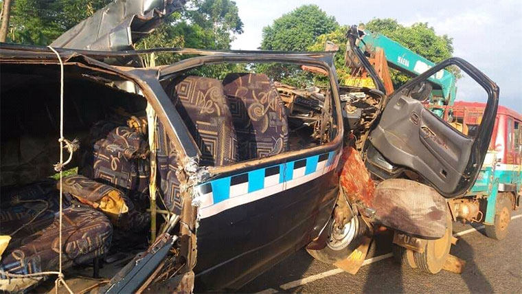 https://observer.ug/images2/disasters/Taxi-wreckage-in-Imanyiro.jpg