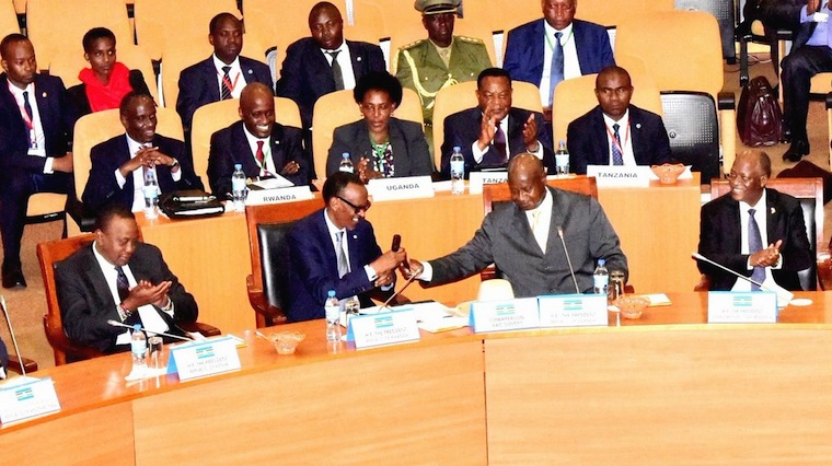 Museveni handed over the EAC chairmanship to Paul Kagame