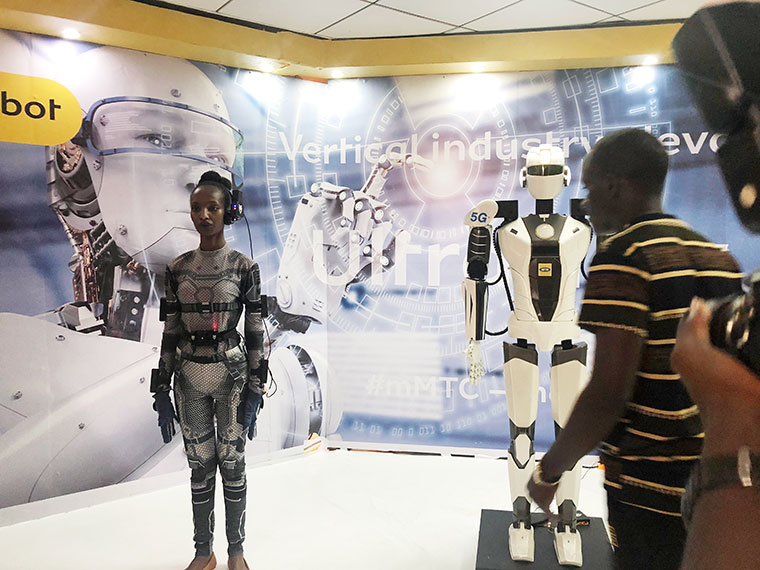 MTN showcased how a bionic robot can operate in real time on 5G